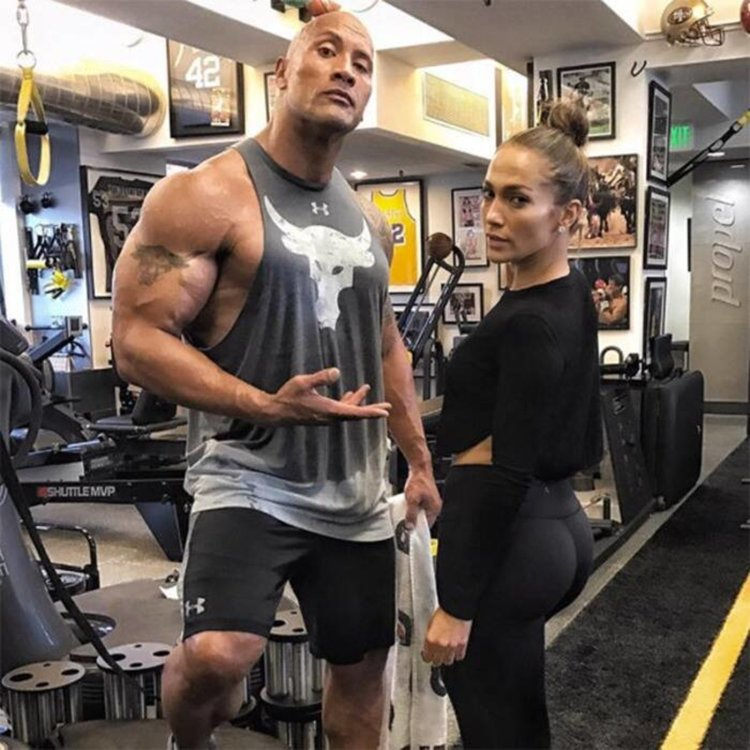Дженифър Лопес показва отлична форма във фитнеса