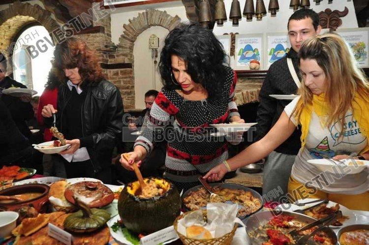 """Какво ще """"сготви"""" побратимяването на селата на наденицата и Смилянския фасул"""