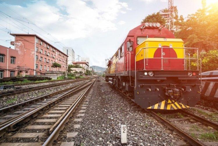 Изготвят се варианти влакът до Одрин да тръгва от София