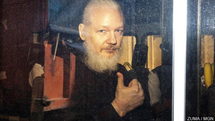 WikiLeaks: САЩ готвят нови обвинения срещу Асандж