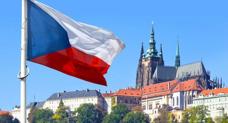 Средната заплата в Чехия вече е 2 470 лева, в Прага - 3 160 лева