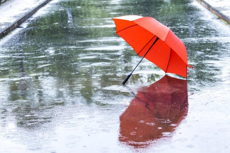 Превалявания от дъжд с гръмотевици и във вторник