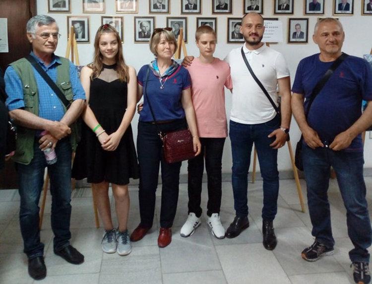 Турски художници се запознаха с млад талант от Първомайско