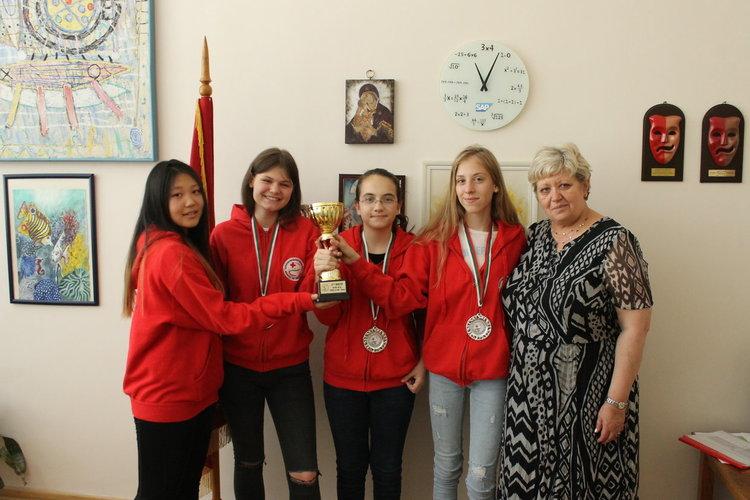 Ботевци спечелиха сребърен медал  на XXX национално състезание на ученическите екипи по първа помощ