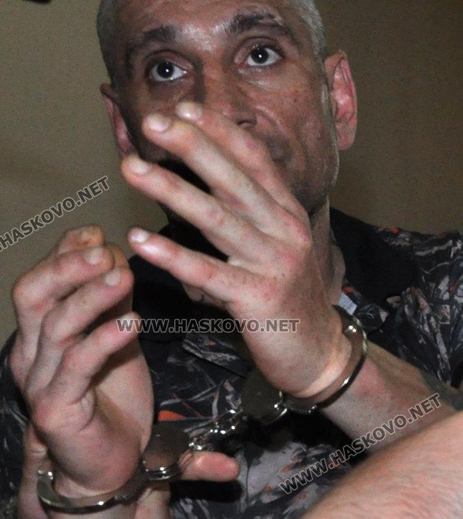 Задържаха Руснака за палежа на БМВ-то на бившата му жена