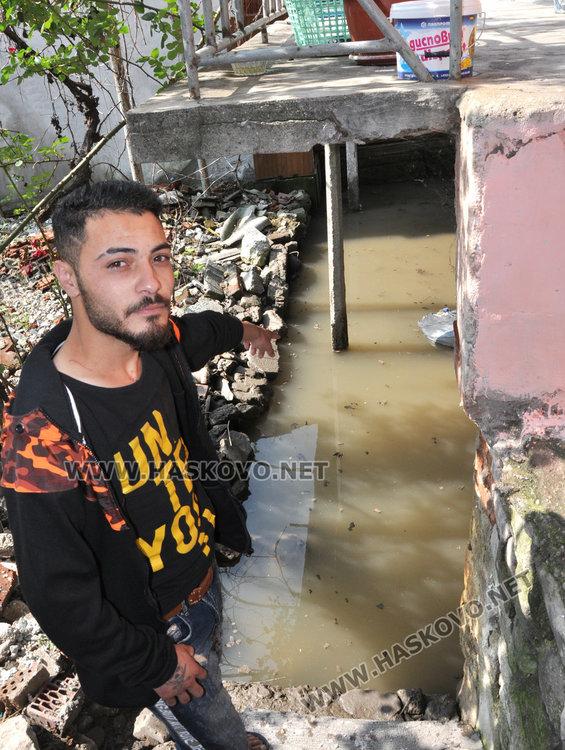 """Наводнения в """"Болярово"""" и """"Република"""". ВиК: имаме 10 канализации за отпушване"""