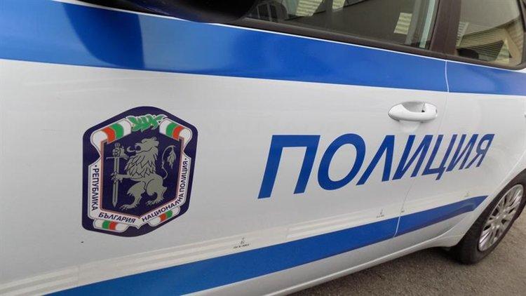 Първомаец е задържан за побой и кражба в Белащица