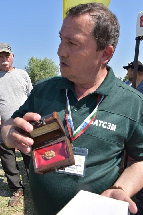 Кирил Стаменов: В река Мечка има злато и рубинчета