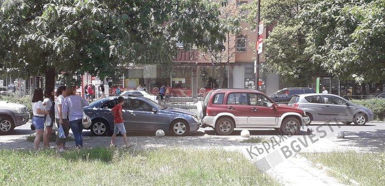 """МВР потвърди новината на Кърджали бг вести за верижна катастрофа във """"Възрожденци"""""""
