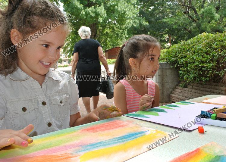Своето бъдеще без зависимости рисуваха децата на Хасково