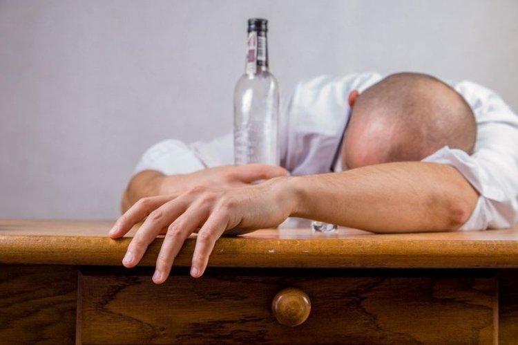 Алкохолът е най-опасният наркотик