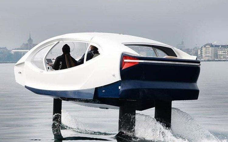 Водните таксита SeaBubbles с нови тестове по Сена (видео)