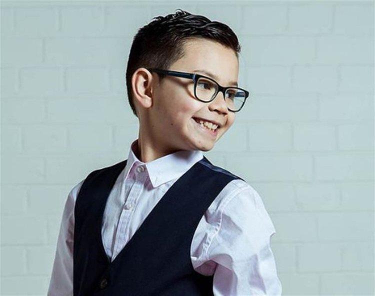 Момчето, на което забраняваха да се снима с класа, стана модел на H&M