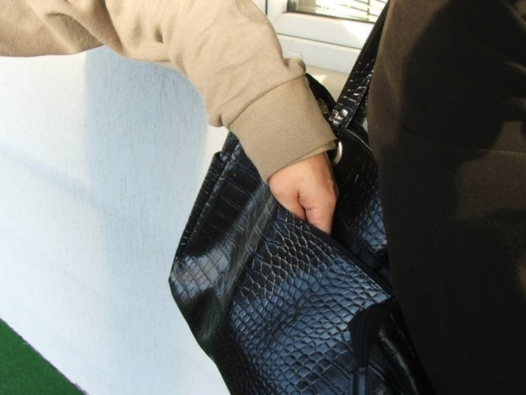 Задържаха 38-годишен димитровградчанин за кражба