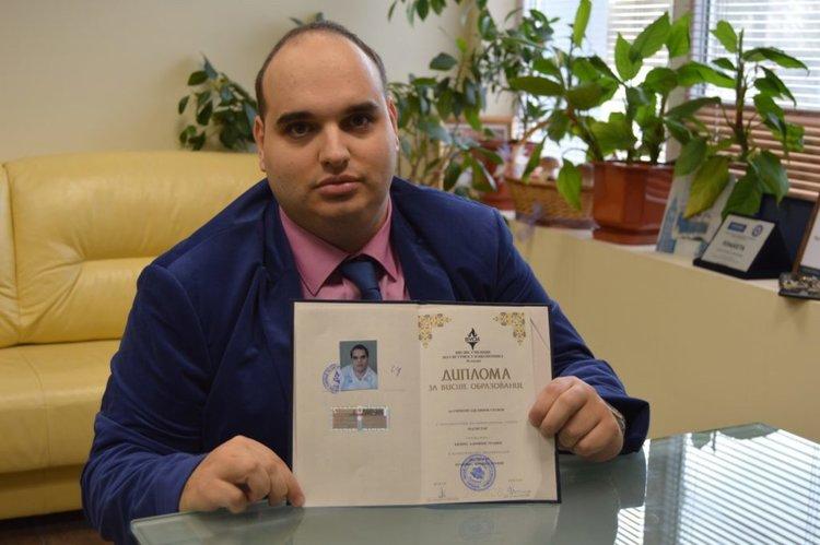 Симеон Узунов от Смолян победи болестта и постигна поредна мечта– да стане висшист