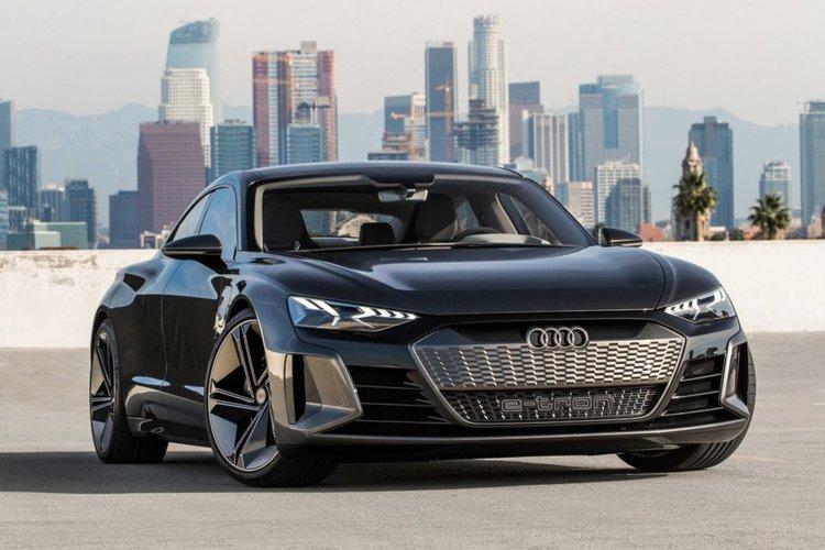 Audi представи новия e-tron GT (видео)