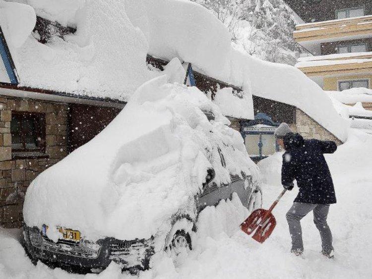 Германия и Австрия блокирани от снега