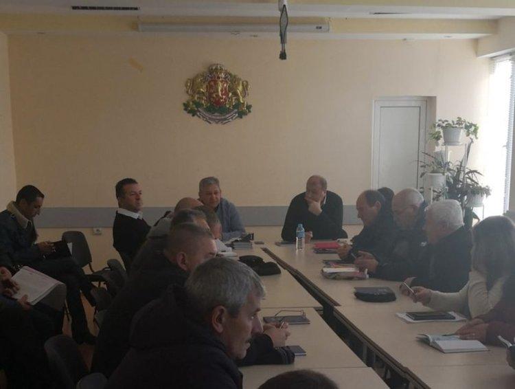 Депутатът от ДПС Ерол Мехмед  запозна кметовете на населени места с изменения в законодателството