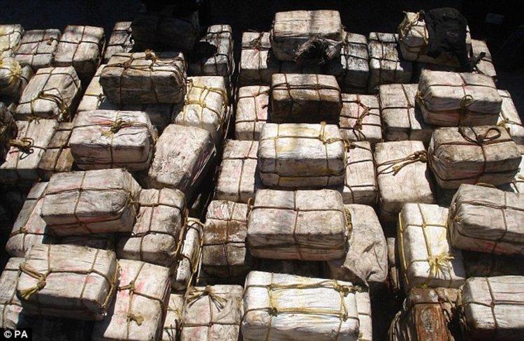 Заловила 2,5 тона кокаин в кораб край Португалия, арестувани източноевропейци