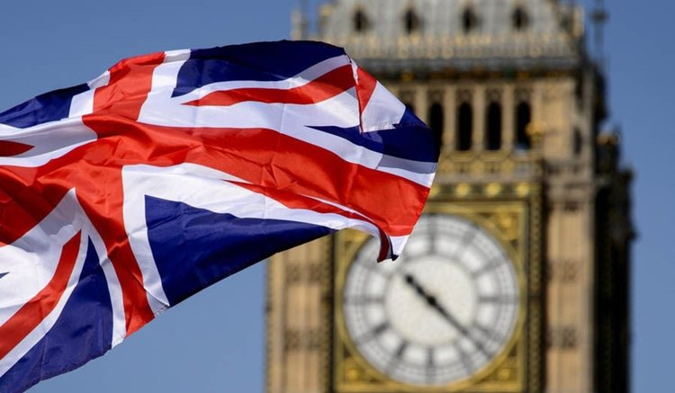 До края на 2020 г. пътуваме до Великобритания само с лична карта