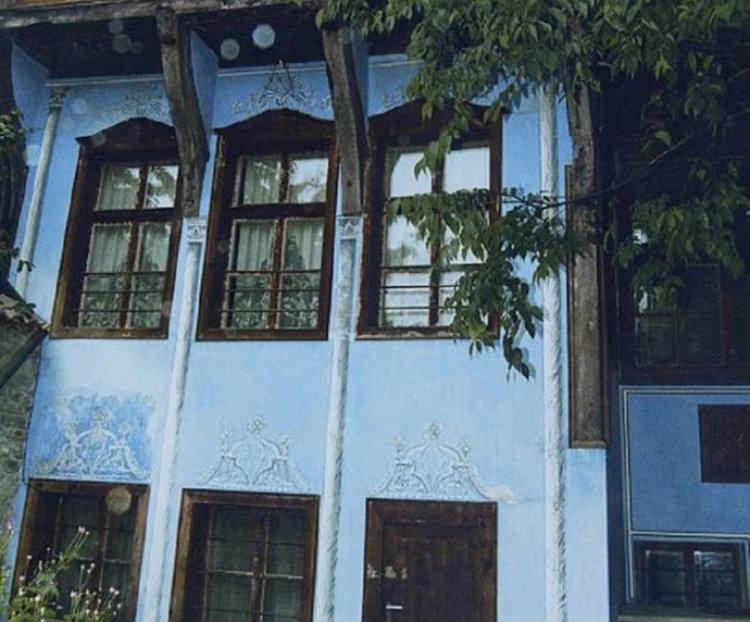 Зарязват ритуално лозата в Етнографската къща