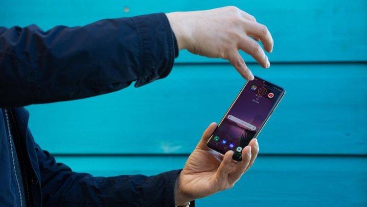 Премиера на LG G8 с безконтактно управление и акустичен дисплей