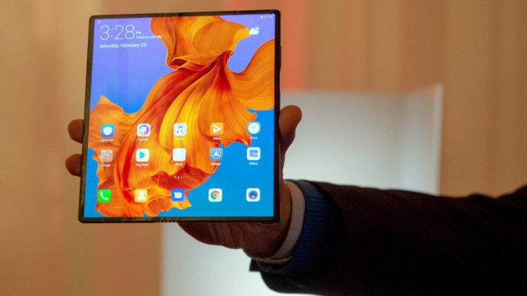 Сгъваемият Huawei Mate X излиза на пазара на цена от...