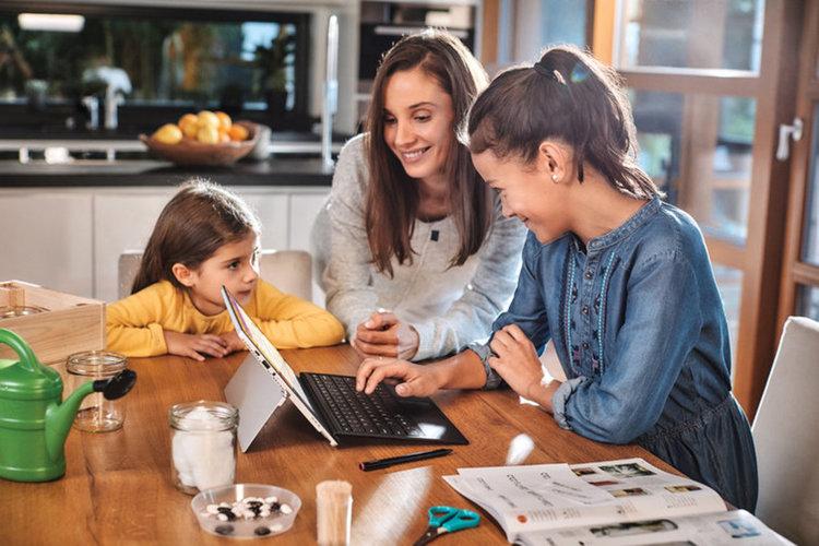 Четири най-важни урока за щастлив живот, които да дадете на децата си