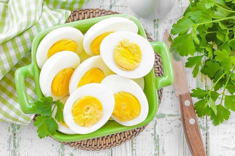 Ново изследване подновява дебата за ползата или вредата от яйцата