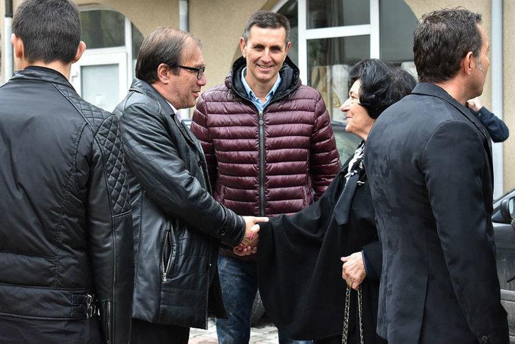 Олимпиецът Велик Капсъзов с паметна плоча в родния Асеновград