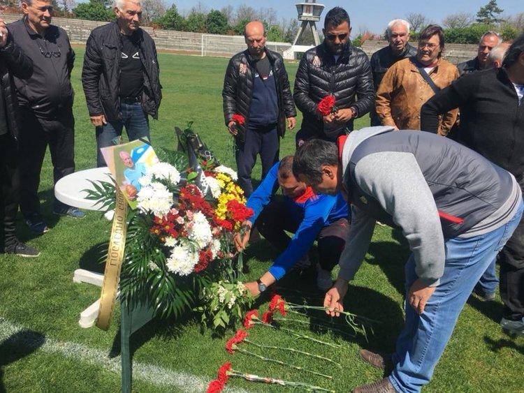 В Хасково почетоха паметта на Александър Костов