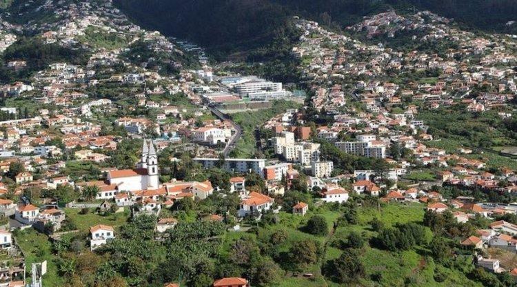 Най-малко 28 души са загинали при катастрофа на туристически автобус на остров Мадейра