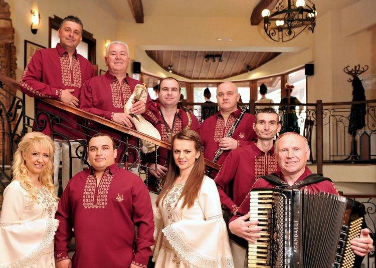 Празничен великденски концерт на Виевската фолкгрупа