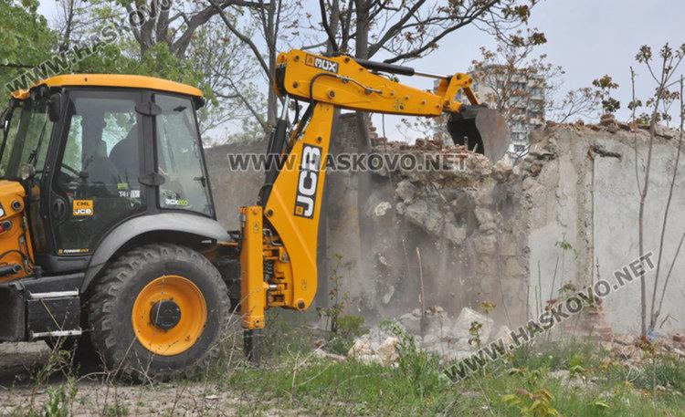 Анкета: опасните сгради в Хасково да се обезопасят или съборят