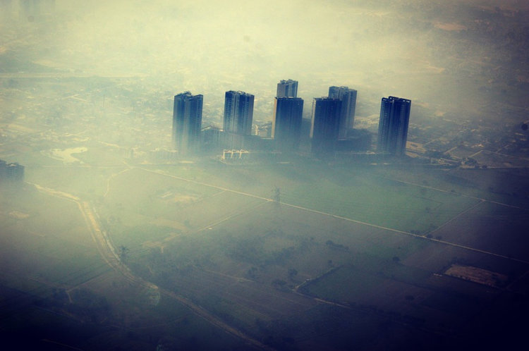 Когато става въпрос за опазване на околната среда, обществеността може да бъде по-страшен регулатор от който и да е държавен орган. Сн.: CCO Public Domain