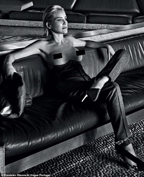 Шарън Стоун топлес за Vogue