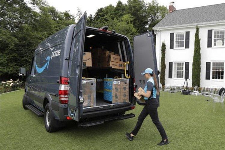 Amazon дава до $10 000 плюс бонуси на всеки служител, готов да напусне и започне свой бизнес