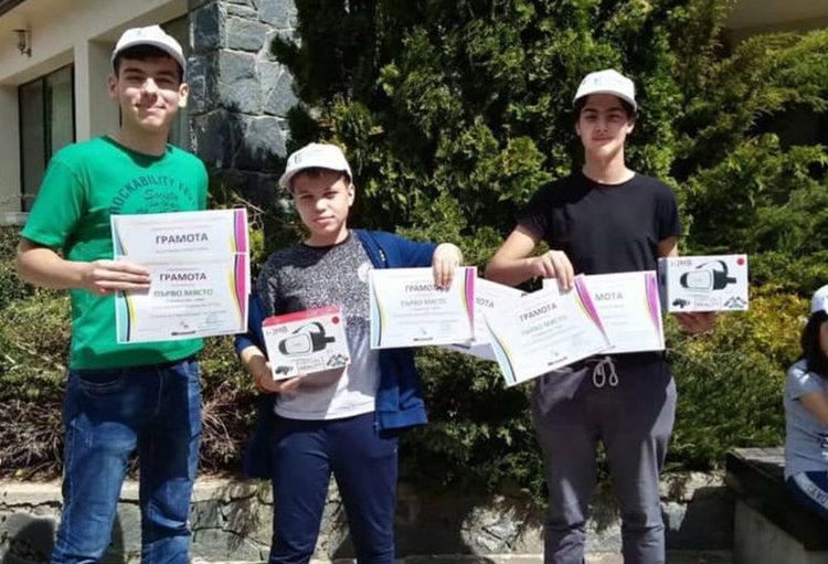 Екип златаровци завоюва първо място в национално състезание