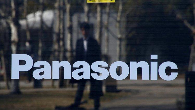 Panasonic спира бизнеса си с Huawei