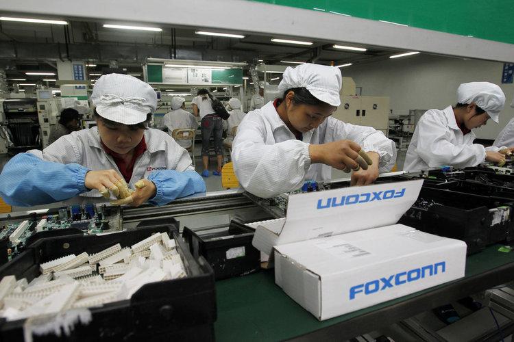 Партньорите на Huawei започнаха да спират заводите за сглобяване на смартфони