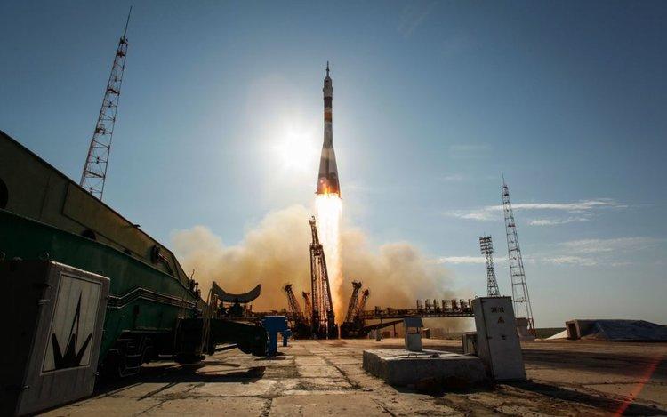 Пентагонът забрани използването на руски услуги за космически стартове