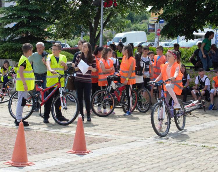 40 ученици от община Кирково се състезаваха по майсторско колоездене