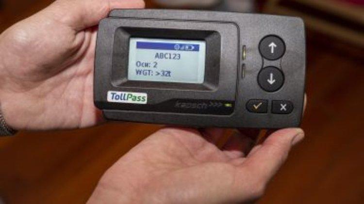 3 евро ще е месечната такса за тол бордовите устройства в тировете