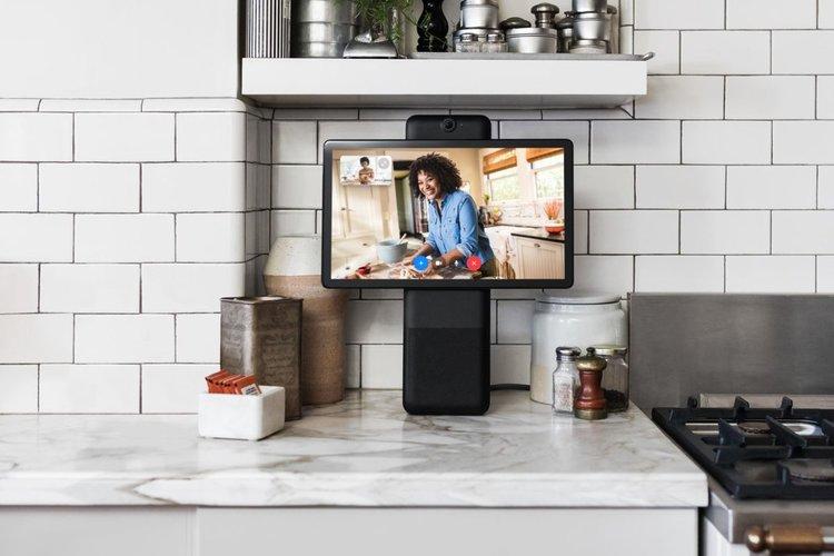 Facebook представят новите смарт дисплеи за видео разговори Portal тази есен
