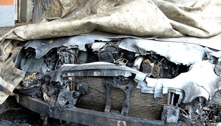 Пожар в гараж в Чорбаджийско, опожарени са автомобил и техника