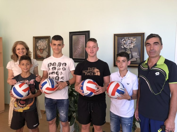 "Бадминтонистите на ОУ ""Алеко Константинов"" - шампиони на България"