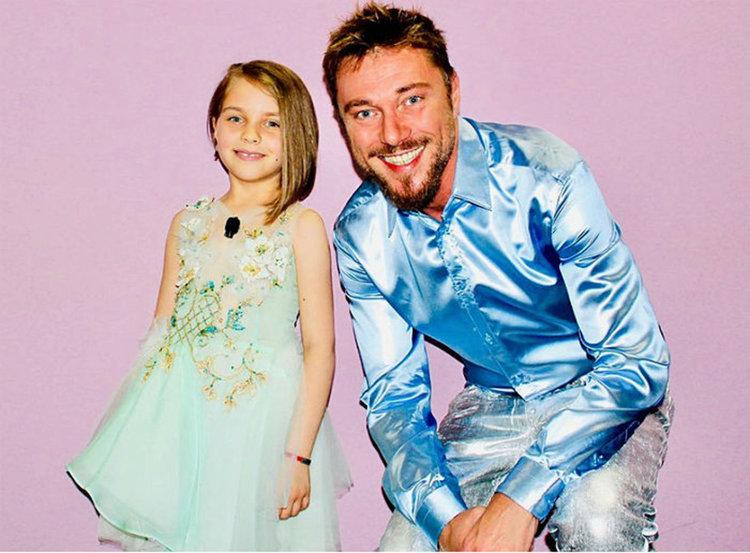 Ще стане ли Ели от Асеновград новата звезда в проекта на Шоуто на Слави? Гласувайте!