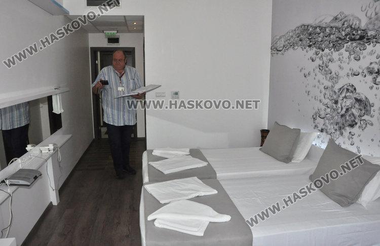 Инспектираха семейния хотел на кметски син в Минерални бани
