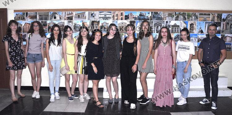 Ученици снимаха старите сгради на Хасково през погледа на новото време