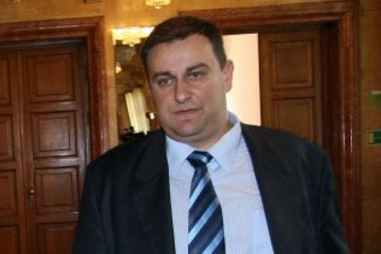 Емил Радев става евродепутат от ГЕРБ след отказите на Габриел и Павлова